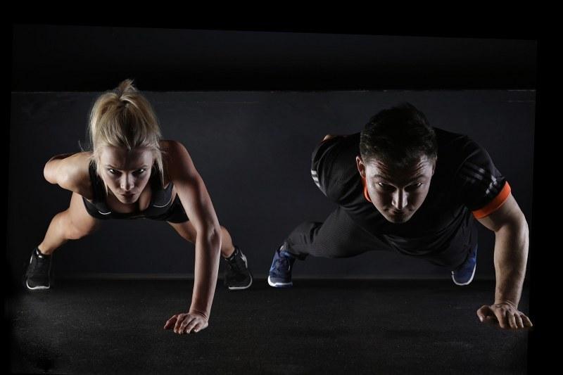 allenarsi-con-il-personal-trainer-costi-e-informazioni-utili_800x533
